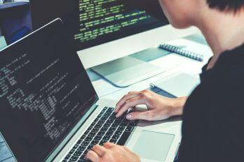 Gyakorlatorientált programozás oktatás